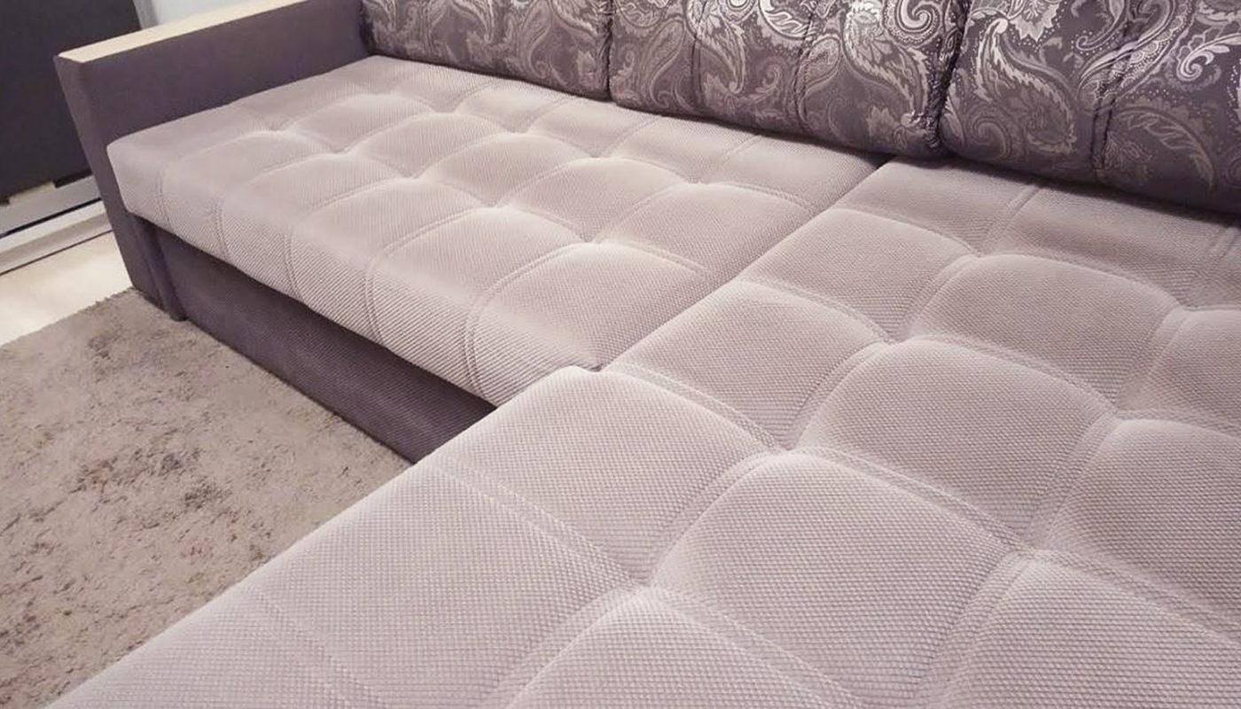 Как почистить велюровый диван